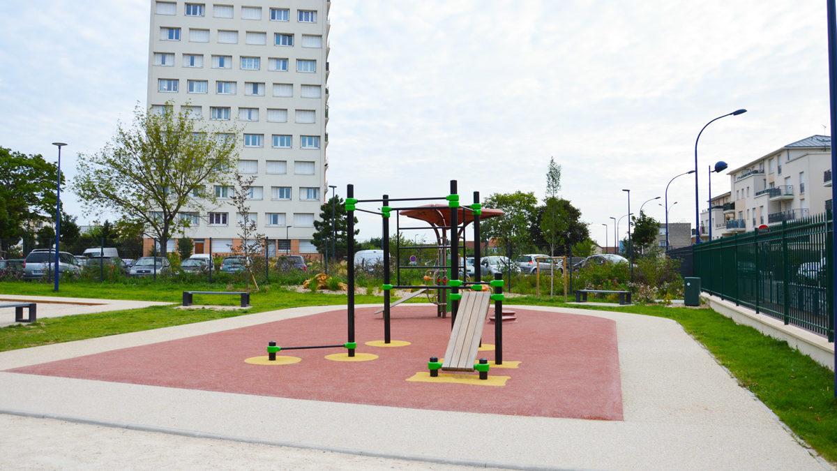Equipements de fitness et de street-workout installés à Drancy