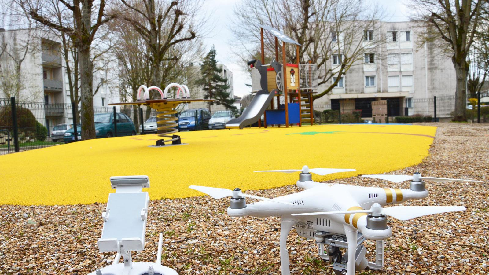 Aire de jeux thématique chasse au trésor à Bouffémont - Square Eiffel